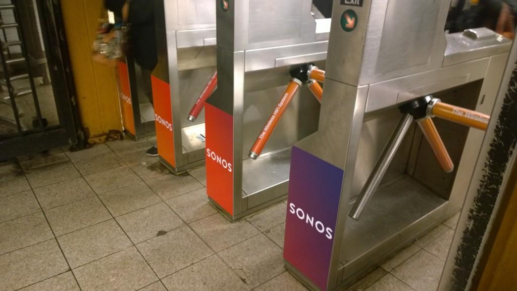 Drehkreuze Ubahn Werbung
