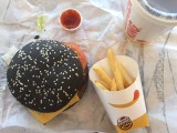 Burger King schwarzer Halloween Whopper im Test
